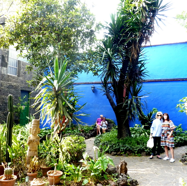 THINGS TO DO IN MEXICO CITY see casa azul witt a guide