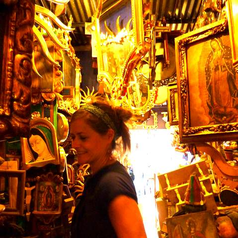 THINGS TO DO IN MEXICO CITY crafts shopping